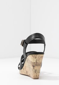 New Look Wide Fit - WIDE FIT POSSUM WEDGE - Korolliset sandaalit - black - 5