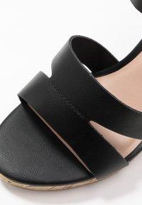 New Look Wide Fit - WIDE FIT POSSUM WEDGE - Korolliset sandaalit - black - 2