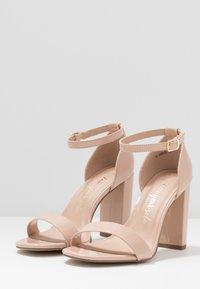New Look Wide Fit - WIDE FIT VARONA - Sandaler med høye hæler - oatmeal - 4