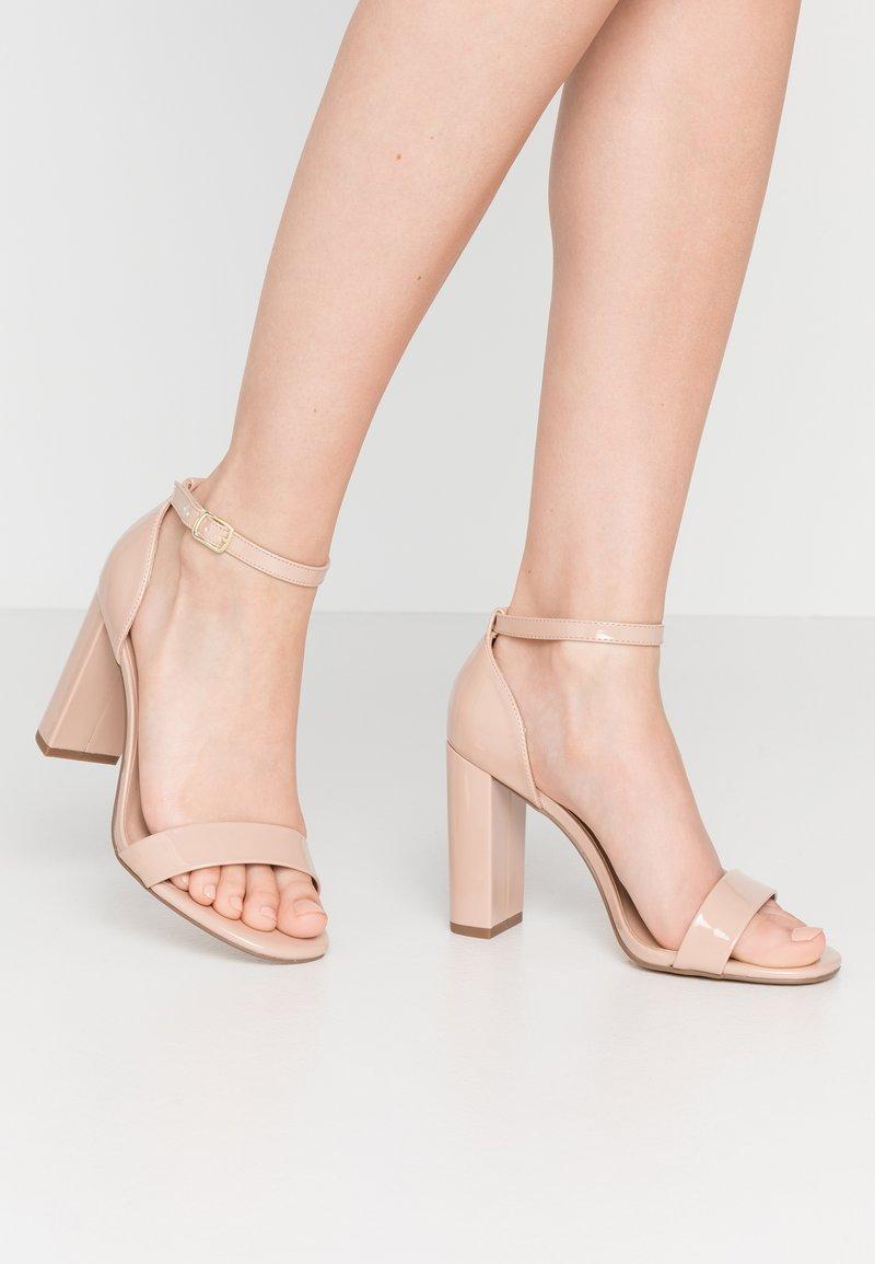 New Look Wide Fit - WIDE FIT VARONA - Sandaler med høye hæler - oatmeal