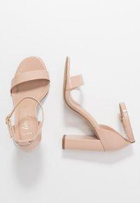 New Look Wide Fit - WIDE FIT VARONA - Sandaler med høye hæler - oatmeal - 3