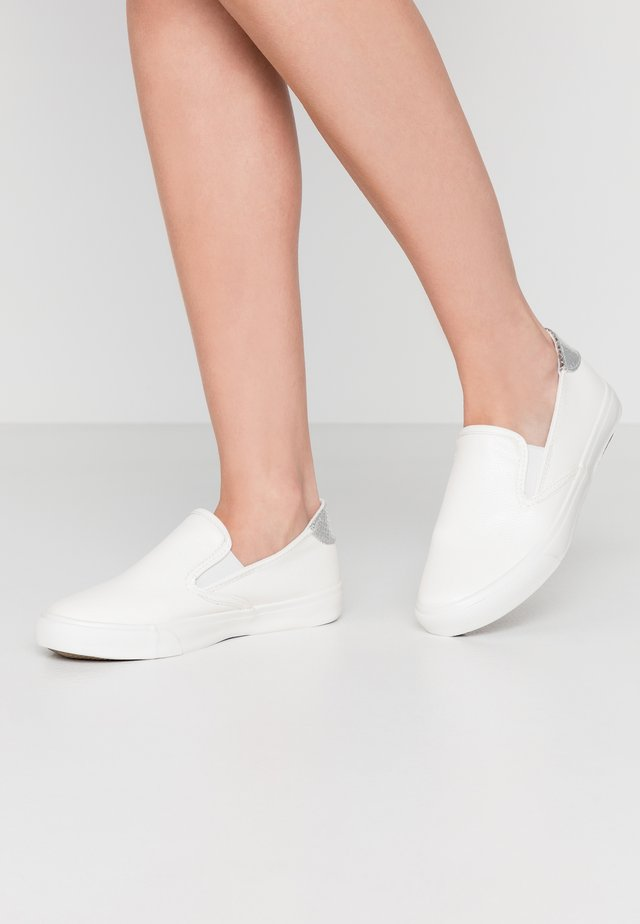 WIDE FIT MILO - Slip-ons - white