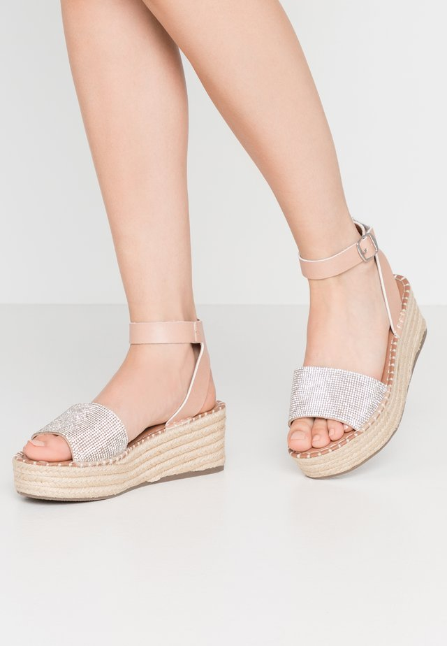 WIDE FIT POPPINS - Espadrillos - oatmeal