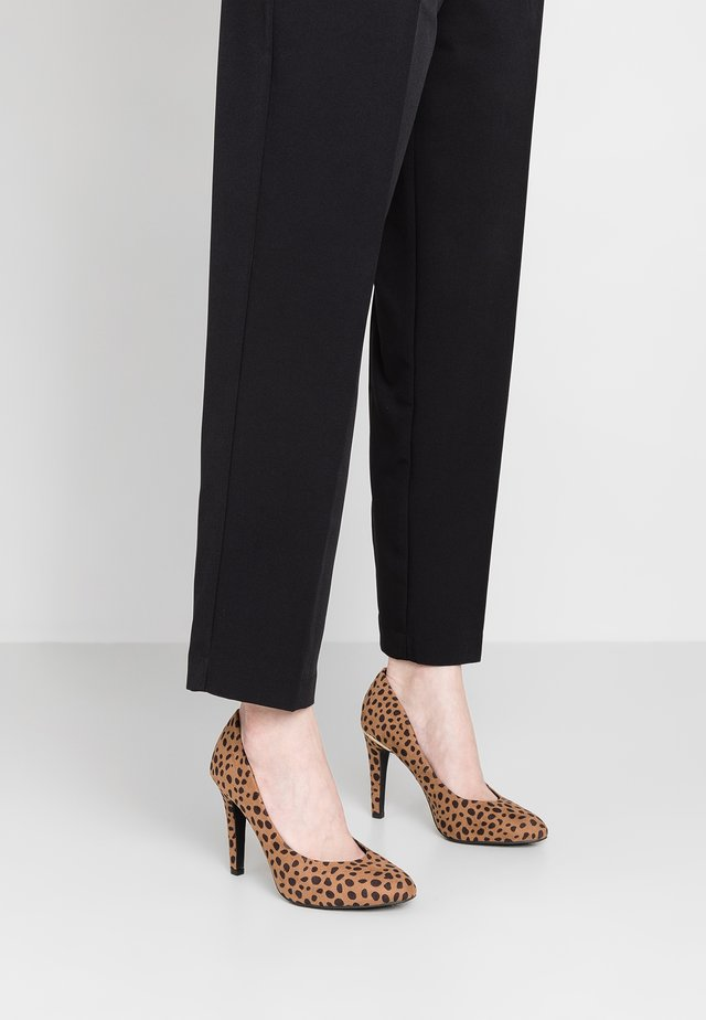 WIDE FIT SHARON - High heels - brown