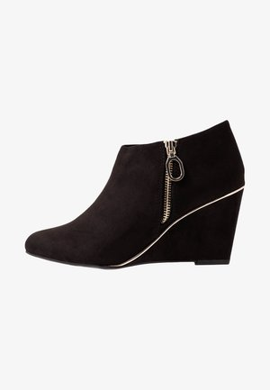 WIDE FIT RIPING - Ankle boots - black
