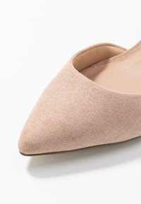 New Look Wide Fit - WIDE FIT  - Klassieke pumps - oatmeal - 2
