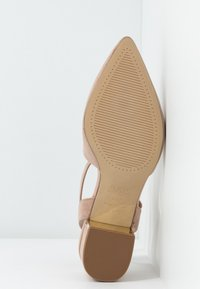 New Look Wide Fit - WIDE FIT  - Klassieke pumps - oatmeal - 6