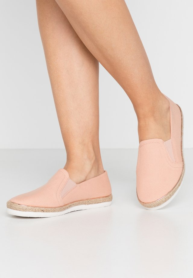WIDE FIT MARLETTA - Espadrilles - light pink