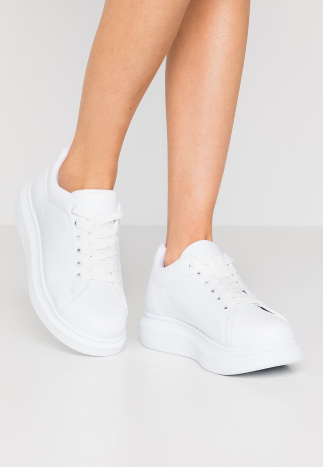 PERFECT - Trainers - white