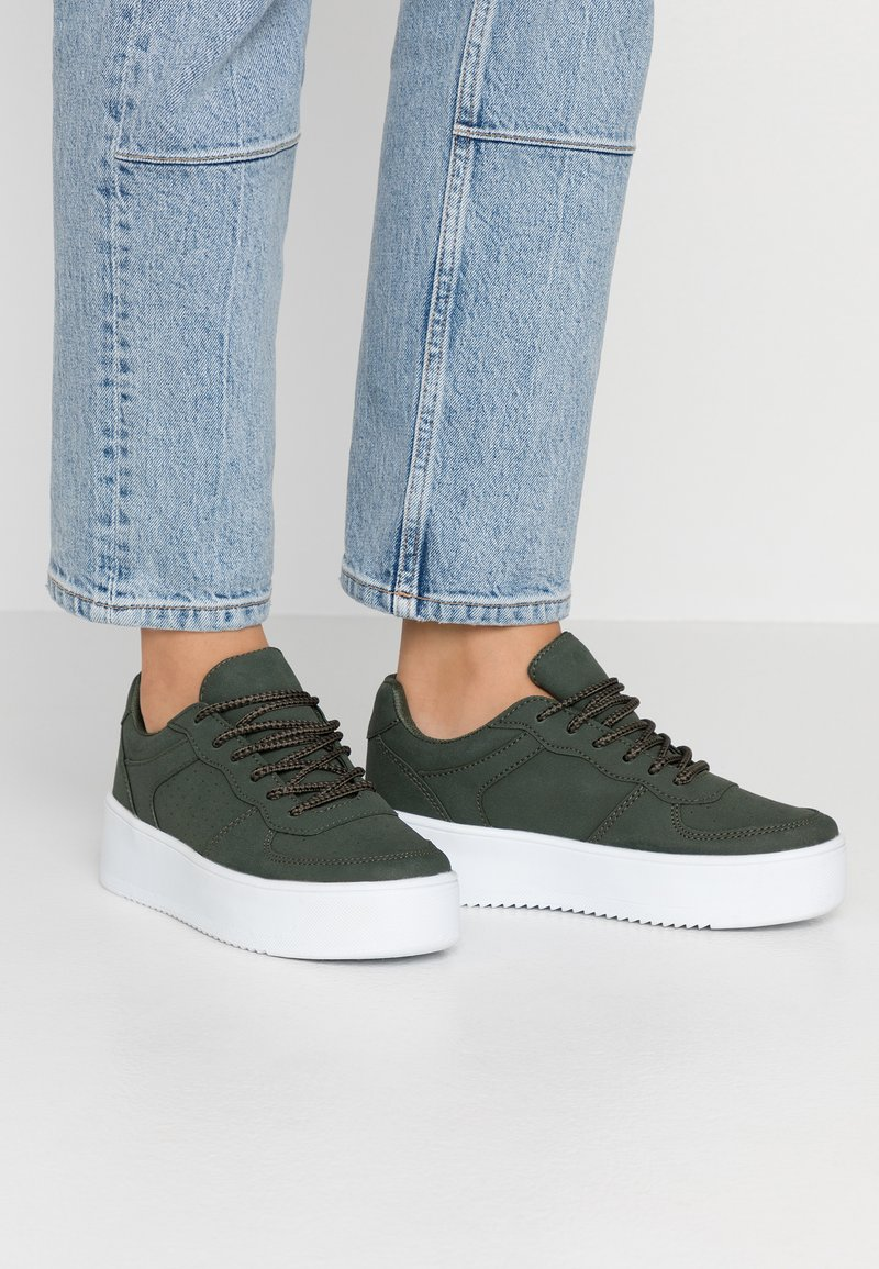 Nly by Nelly - FLIRTY PLATFORM - Sneakers - khaki