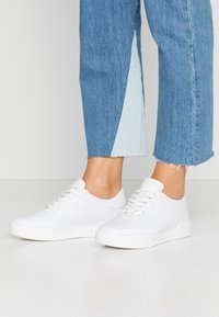 Nly by Nelly - ME AND I  - Joggesko - white - 0