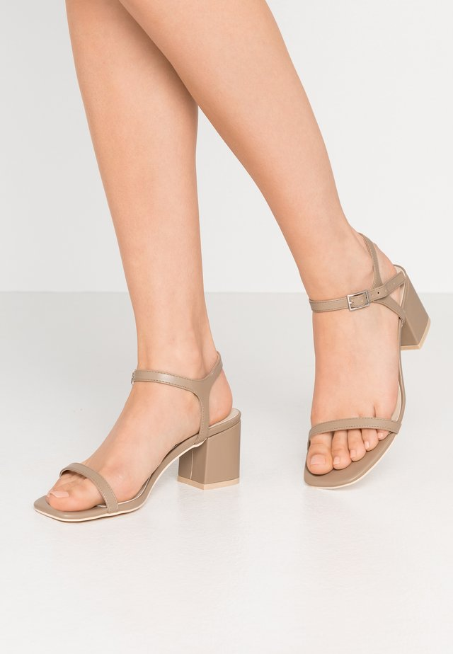 SQUARE BLOCK HEEL  - Sandals - nougat