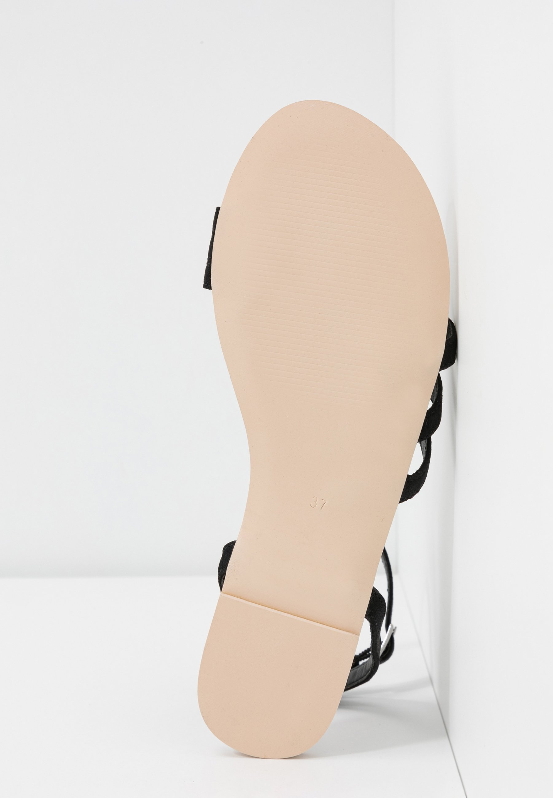 Nly by Nelly TRIPPLE TOE STRAP - Sandales - black