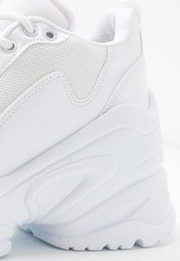 Nly by Nelly - FLY CHUNKY  - Sneakersy niskie - white - 2