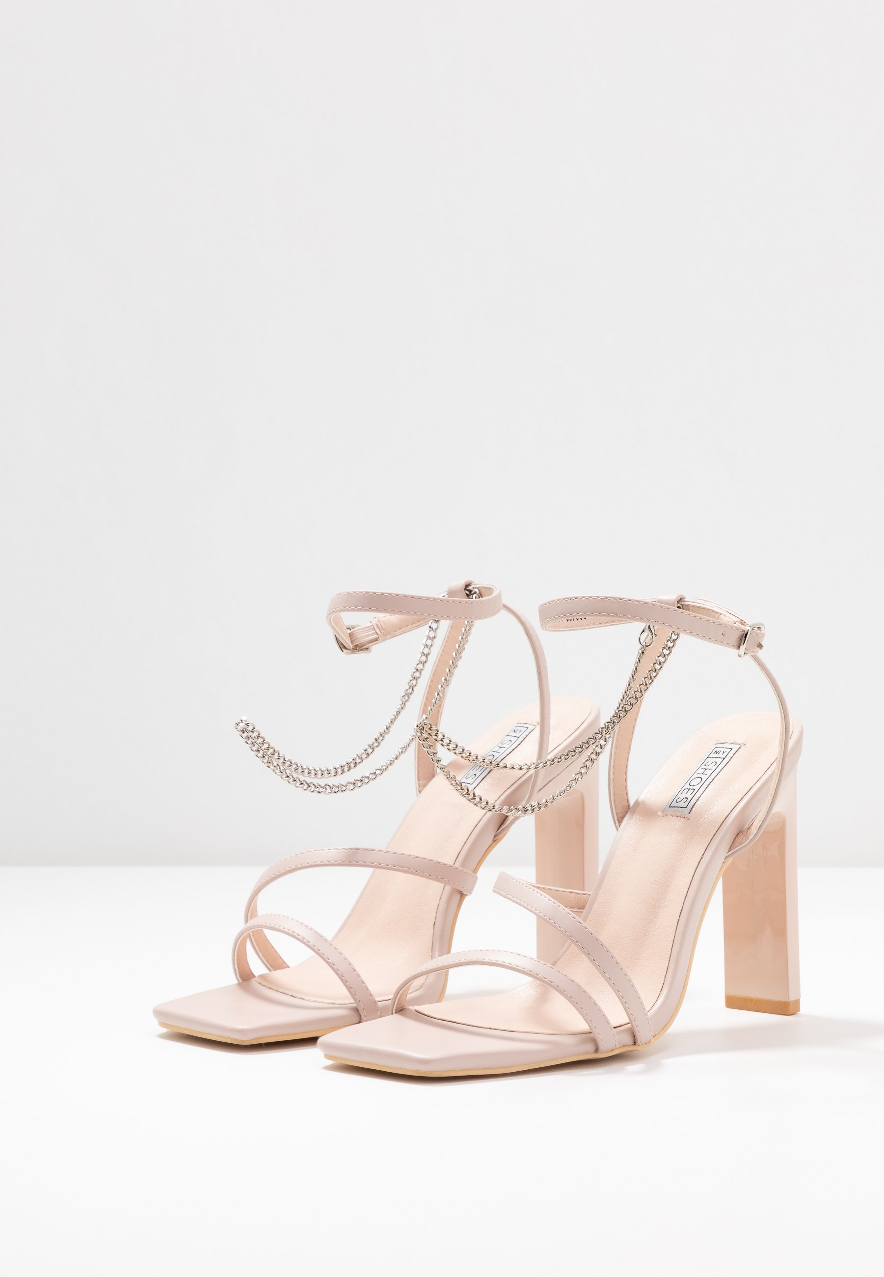 FLIRTY CHAIN Korolliset sandaalit soft pink