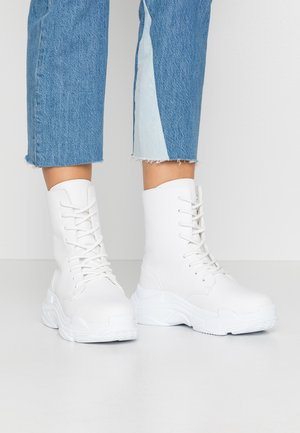 HIGH SHAFT BOOT - Botines con cordones - white