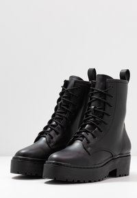 Nly by Nelly - PERFECT LACE BOOT - Platform ankle boots - black - 4