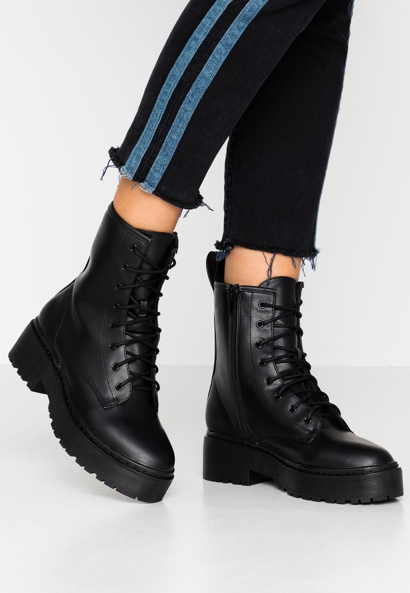 Nly by Nelly - PERFECT LACE BOOT - Platform ankle boots - black