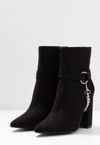 Nly by Nelly - CHAIN BLOCK BOOT - High heeled ankle boots - black - 4