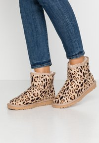 Nly by Nelly - Boots à talons - brown - 0