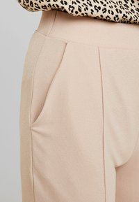 Nly by Nelly - DRESSED TAILORED PANTS - Broek - mushroom - 5