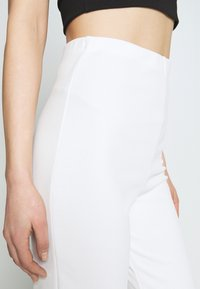 Nly by Nelly - STRAIGHT PANT - Pantalones - white - 4