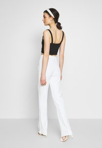 Nly by Nelly - STRAIGHT PANT - Kalhoty - white - 2
