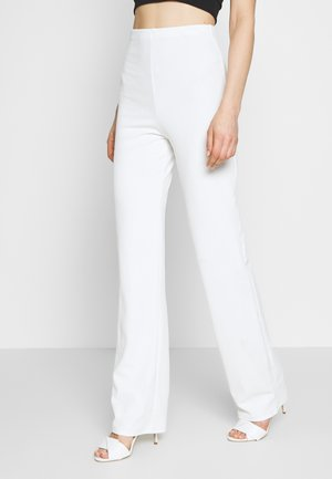 STRAIGHT PANT - Bukse - white