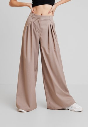 GREAT WIDE PANTS - Bukse - beige
