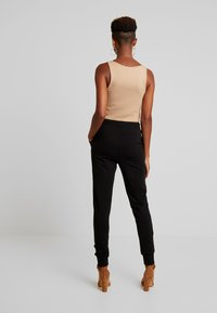 Nly by Nelly - PERFECT - Pantalones deportivos - black - 3