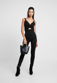 Nly by Nelly - SHAPE HIGH WAIST PANT - Tygbyxor - black