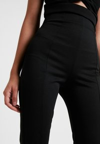 Nly by Nelly - SHAPE HIGH WAIST PANT - Tygbyxor - black - 5