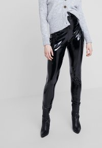 Nly by Nelly - SHAPE HIGH PANT - Pantaloni - black - 0