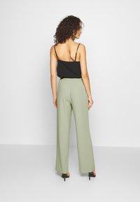 Nly by Nelly - MY FAVOURITE PANTS - Spodnie materiałowe - light green - 2