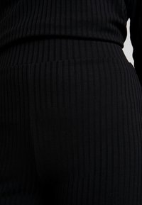 Nly by Nelly - RIBBED SET - Träningsbyxor - black - 5