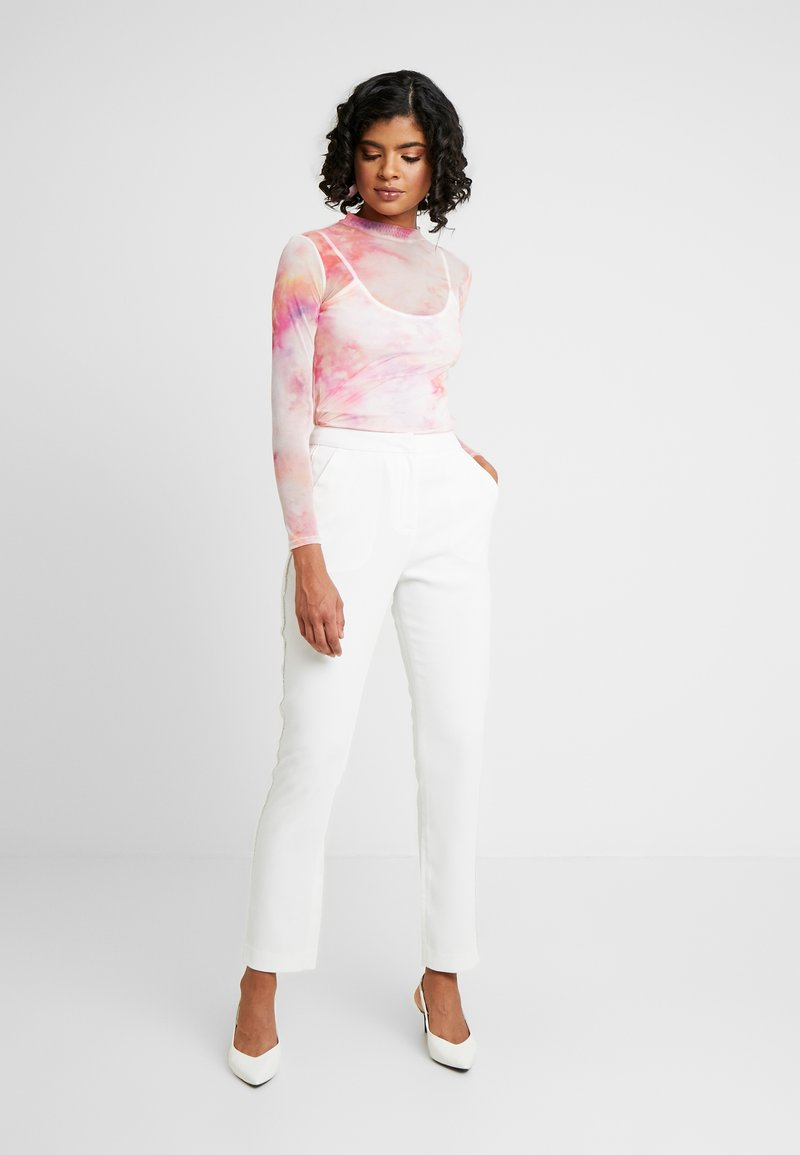 Nly by Nelly - SPARKLING EDGE - Trousers - white