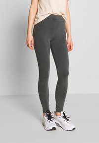 Nly by Nelly - WASHED OUT LEGGINGS - Kalhoty - off black - 0