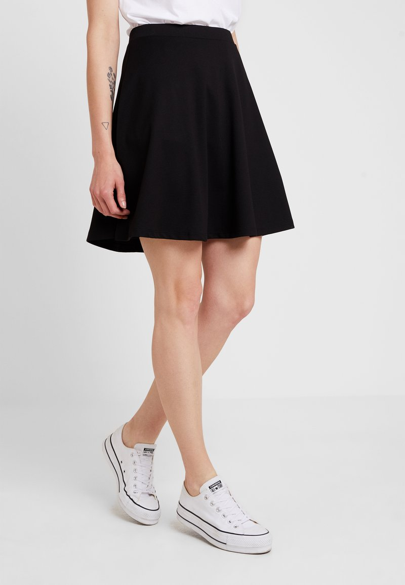Nly by Nelly - FLIRTY SKATER SKIRT - A-Linien-Rock - black