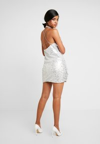 Nly by Nelly - MINI SKEQUIN SKIRT - Minijupe - silver - 2
