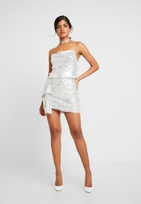 Nly by Nelly - MINI SKEQUIN SKIRT - Minijupe - silver - 1