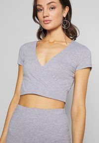 Nly by Nelly - CUT OUT SLIT SET - Maxi skirt - grey mélange - 4