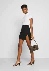 Nly by Nelly - MINI SLIT SKIRT - Mini skirt - black - 1