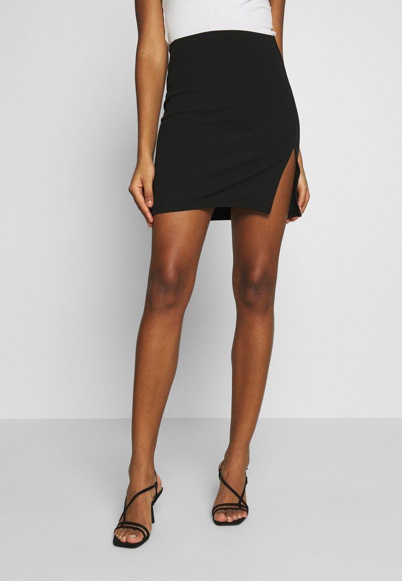 Nly by Nelly - MINI SLIT SKIRT - Mini skirt - black
