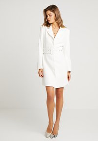 Nly by Nelly - SHARP SUIT DRESS - Etuikjole - white - 1
