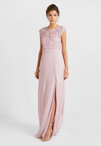 Nly by Nelly - CAP SLEEVE FLOWY GOWN - Suknia balowa - rose - 2