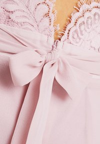 Nly by Nelly - CAP SLEEVE FLOWY GOWN - Suknia balowa - rose - 6
