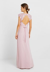 Nly by Nelly - CAP SLEEVE FLOWY GOWN - Suknia balowa - rose - 3
