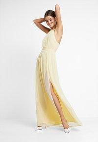Nly by Nelly - HALTERNECK BEADED GOWN - Společenské šaty - light yellow - 2