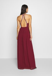 Nly by Nelly - HALTERNECK BEADED GOWN - Abito da sera - burgundy - 2