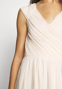 Nly by Nelly - CAP SLEEVE MAXI GOWN - Abito da sera - champagne - 5